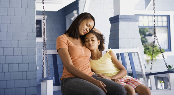 La oración hace la diferencia en el sentido espiritual de la maternidad